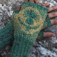 Thistle mitts